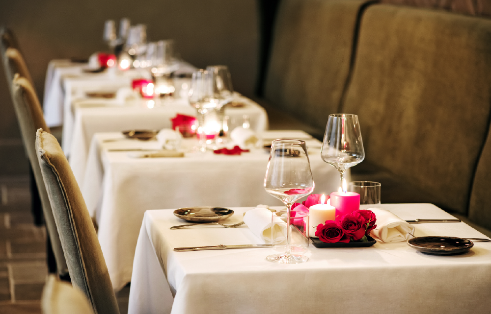 PointOfSale romantic table setup Restaurant marketing ideas for valentines day-01